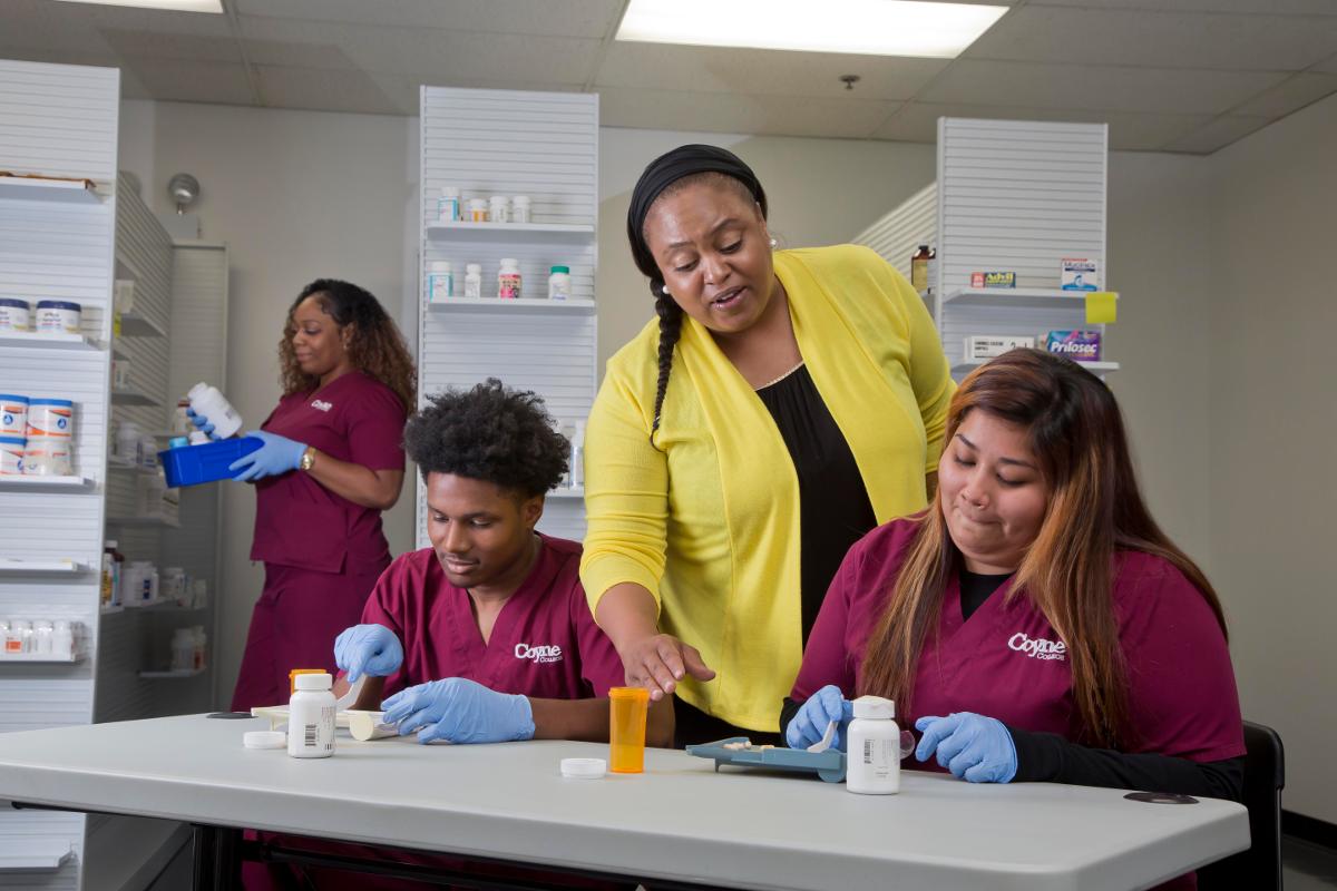 pharmacy-technician-faculty-spotlight
