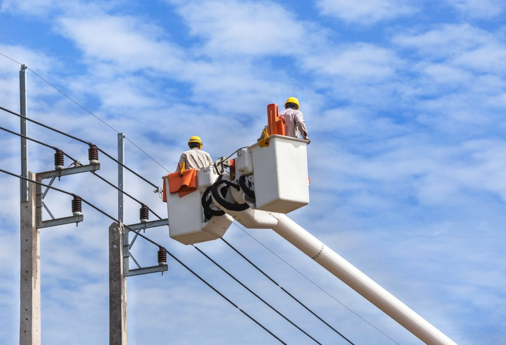 Difference Between Electrical Linemen and Wiremen